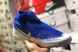 nike phantom vision academy dynamic fit tf. M
